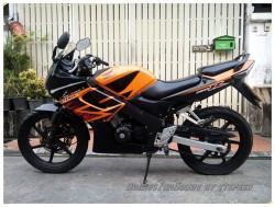 CBR 150-Black-Orange-S (2)
