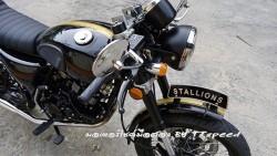 Stallions Centaur 150